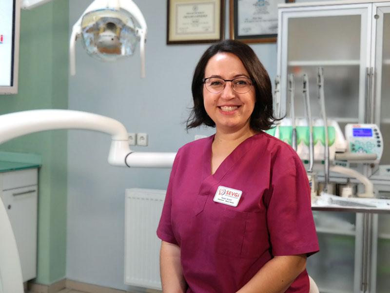Dentist Seda SUAT
